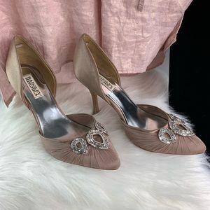 Badgley Mischka pump heels teardrop style
